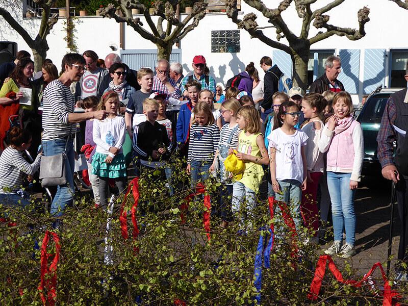 Maiansingen 2017 Der Kinderchor der Grundschule Rhöndorf